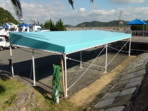 屋根テント(商業施設)